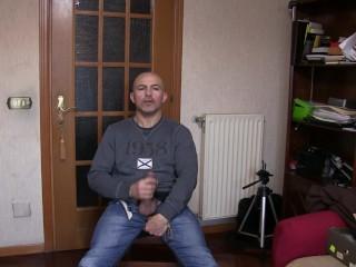 English subtitles – maschio italiano si sega e si sborra su i jeans
